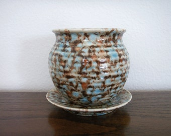 Ceramic Pottery Style Planter w/Saucer