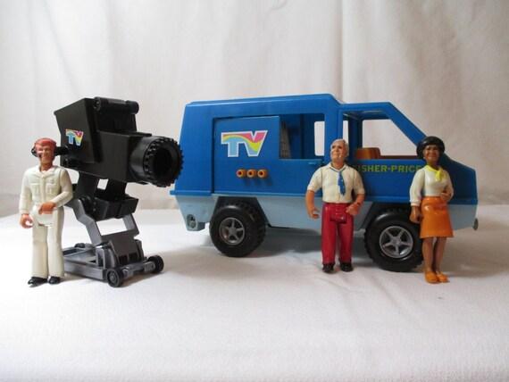 Vintage 1977 fisher price mobile tv unit 309 vehicle crew - Mobile tv vintage ...