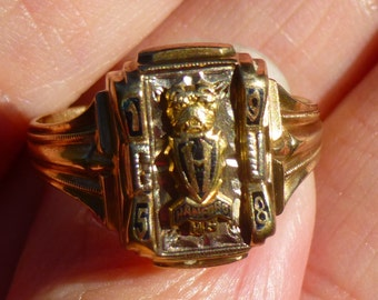 RARE....Handford High School Ring 1958.....heavy 5.8 grams....yellow gold