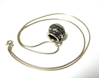 1970's Sterling Native American Pottery Pendant Necklace, charm, 925 snake chain, Excellent