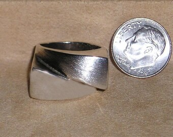 Vintage Signed Italy Sterling Silver Modern Man's Abstract Ring 1970's Size 6 1/2 Jewelry 2185