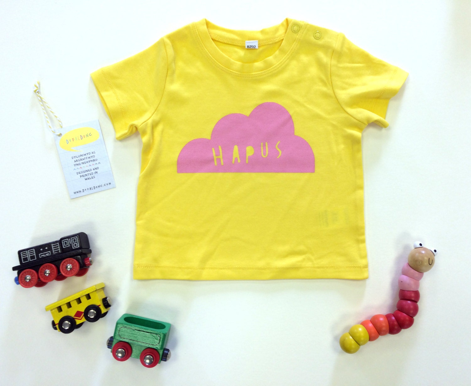baby clothes yellow t shirt welsh text hapus happy cloud pink