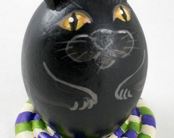 Black Cat on Rug Gourd