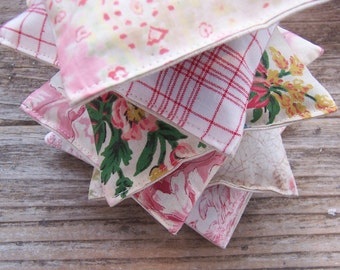 Lavender sachet for your wedding or as a gift, sachet favor, room freshener, Scented  pillow, gift , french fabric, vintage, hostess gift