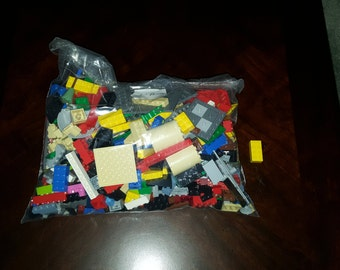 Lego Lot 2 Pounds, Actual Legos for sale, Great Crafting Ideas.
