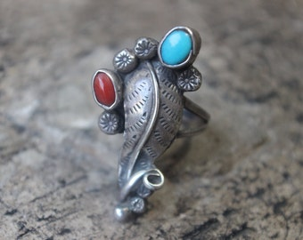 Southwest Bouquet RING / Turquoise and Coral Jewelry / Size 7 Ring / Vintage Sterling Silver Ring