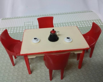 Renwal table and Plasco chairs Kitchen  Toy Dollhouse Traditional Style
