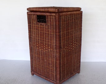 Square Wicker Basket with Hinged Lid Handles Laundry Hamper Storage