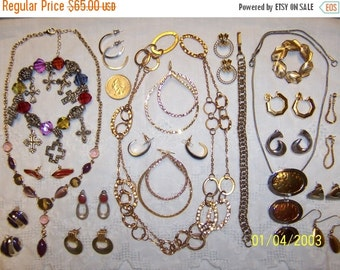 20% OFF, EVERYTHING. Vintage Jewelry (Lot 99). Big, Med. and Small.