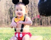 Mickey Mouse Birthday cake smash outfit FREE EARS Suspenders diaper Cover yellow bowtie clubhouse baby boy costume photo 9 12 18 24 toddler