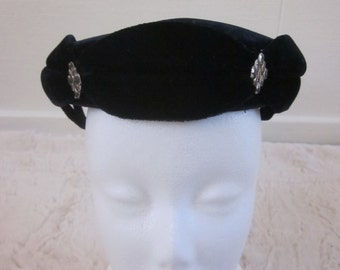 Dark blue velvet  hat 50s