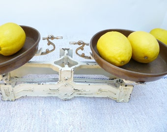 Vintage Scale Cast Iron Balance Scale Kitchen Scale Industrial Country French Kitchen