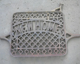good shape antique cast iron foot treadle NEW HOME PEDAL for sewing machine
