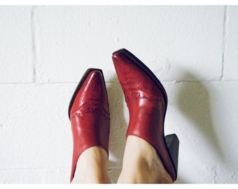 Vintage Charlie Horse Mules | Red | US Size 8.5