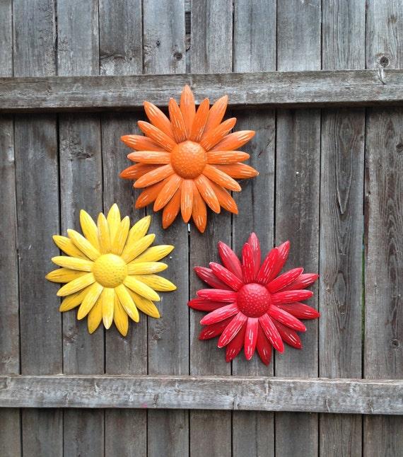 metal flower wall art metal fence yard art red orange. Black Bedroom Furniture Sets. Home Design Ideas