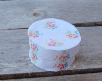 Dollhouse hat box shabby chic