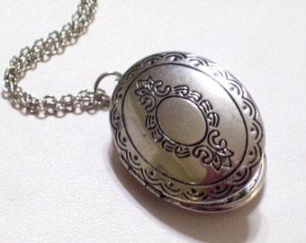 Victorian Revival Style Silver Oval Locket Pendant Necklace, Antiqued Silver Locket, Silver Photo Locket, Mourning Locket, Keepsake Locket