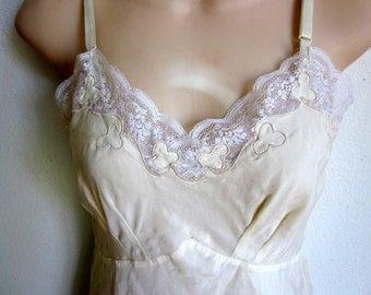 Vintage full slip ivory nylon nightgown Najla NY sexy lingerie 32 S