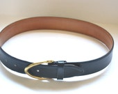 Vintage Authentic  3906 Coach black genuine leather belt brass buckle French calfskin belt  Unisex belt size Small made in USA