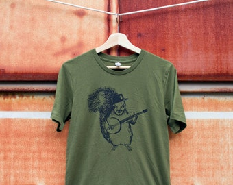 Squirrel Banjo Army Green Men's Shirt - Unisex T-shirt Olive - bluegrass musician Southern mountain music ironic critter graphic tee