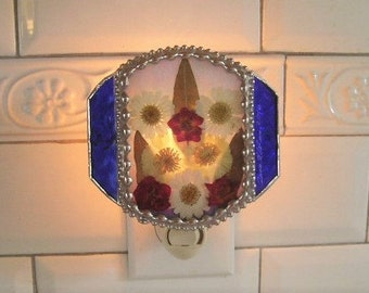 Stained Glass Nightlight|Pressed Flower Art|Blue|Daisies|Marigold|Roses|OOAK|Home & Living|Lighting|Night Lights|Handcrafted|Made in USA