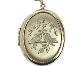 Vintage Lovebirds Locket Necklace // Large Oval Silvertone Photo Pendant on Chain // Pair of Birds on Tree Branch Etched Metal