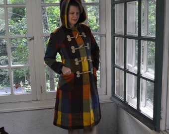 Hooded Plaid Wool Toggle Coat/Vintage 1970s/Colorful Austrian Loden Toggle Coat/Tailored Warm Winter Coat/Size Small