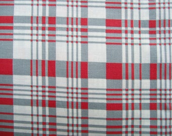 New 50's/60s PLAID FABRIC Red Gray Cream 35x69 Cotton Almost 2 yd Sew Craft
