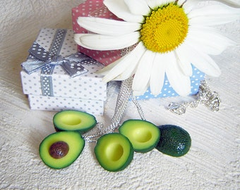 Bridesmaids  necklaces. Bridesmaids gifts. Avocado Halves Necklaces. BFF. Polymer clay food. Real look avocado. Set of 5 necklaces.