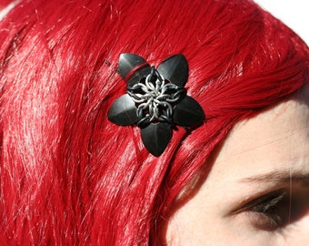 Small Scalemail Hair Flower