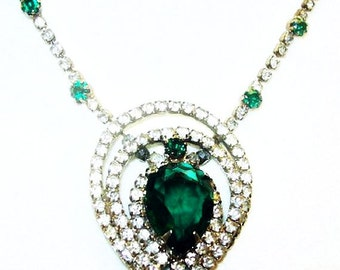 """Green Rhinestone Pendant Necklace Silver Metal Holiday Glamour 19"""" Vintage"""