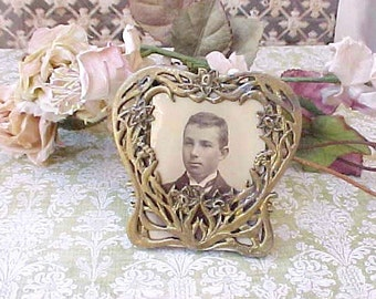 Charming Little Easel Back Heart Shaped Picture Frame