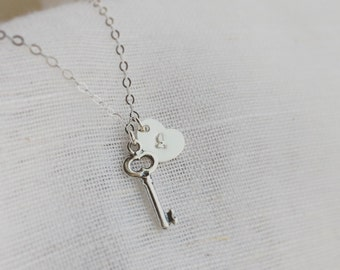 Key and Heart Necklace / Silver Key Initial Necklace / 925 Sterling Silver Key Necklace / Personalized Initial Necklace / Key and Initial