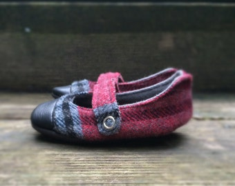 Pre-holiday: Baby Mary Janes Toddler Mary Janes vintage tartan plaid repurposed leather red gray black