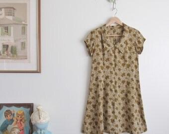 Vtg 70s Olive Green Botanical Print Shirt Dress • A Line Fit & Flare Zip Front Mod Mini Dress w/ Collar - M