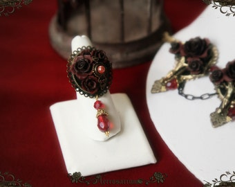 Queen of Decadent Rose Ring