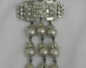 15% OFF 60's Elegant Volupte' Rhinestone Unique Rhinestone Bar Pin w/ Dangly Silver Grey Capped Pearls