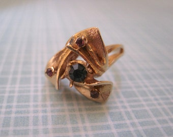 Pinwheel Costume Ring Blue Pink Rhinestones Gold Tone Vintage Design Modernist Size 6.5