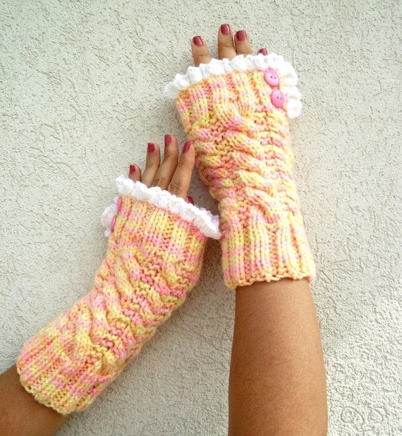 Lace Mittens Knitting Pattern : KNITTING PATTERN Mittens with Lace Fingerless Gloves ...