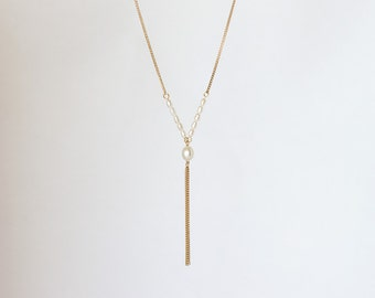 681_Pearls necklace, Gold necklace, Pearl necklaces, Necklace pearls, Minimalist jewelry, Gold plated chain necklace, Minimalist necklace.