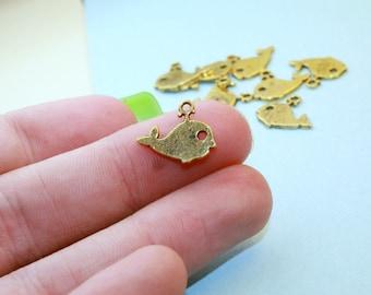 Baby Whale Charm, 1 Charm, Antique Gold Tone 14 x 11 mm - sc491