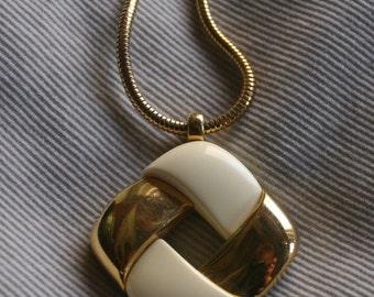 Vintage Crown Trifari Modernist Pendant Cream Lucite Goldtone Snake Chain