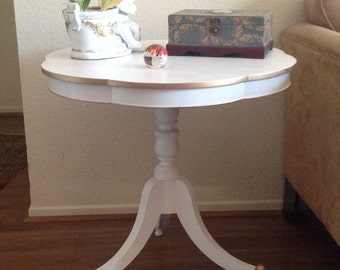 White and Gold Roun Pedestal French Regency End Table, Nightstand