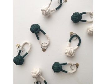 Rope Knot Keychain / hunter green