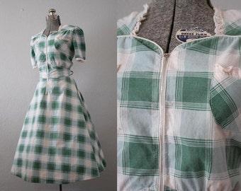 1940's Plaid Day Dress / Size Large