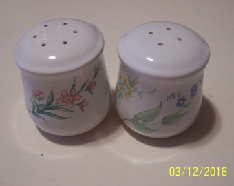 "Corelle Coordinates Salt & Pepper Shakers "" My Garden "" pattern"
