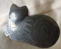 Cat Pin / Vintage Curled Cat Pin / Chershire Cat / Cat Brooch / Etched Metal Cat Pin