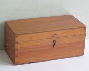 Small Vintage Wood Box Hinged Lid and Latch