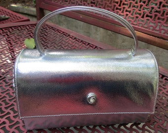 vintage 1950's faux leather silver purse handbag doctor style Ande great condition