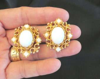 Vintage Marvella white cabochon rhinestone clip on earrings